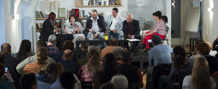 Diskuze se členy českých a německých rodin Romů a Sintů, kteří přežili genocidu